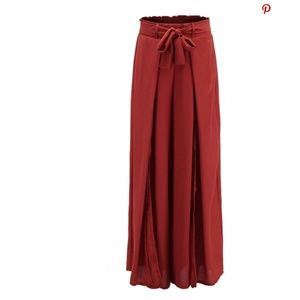 Pants - NWT's Pants with slits in the front (brown)